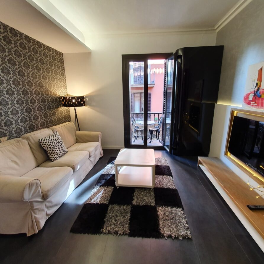 SPACIOUS & MODERN IN THE HEART OF BARCELONA