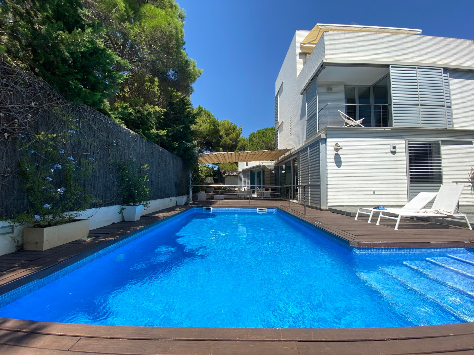STUNNING VILLA with PRIVATE POOL,GARDEN & TERRACES