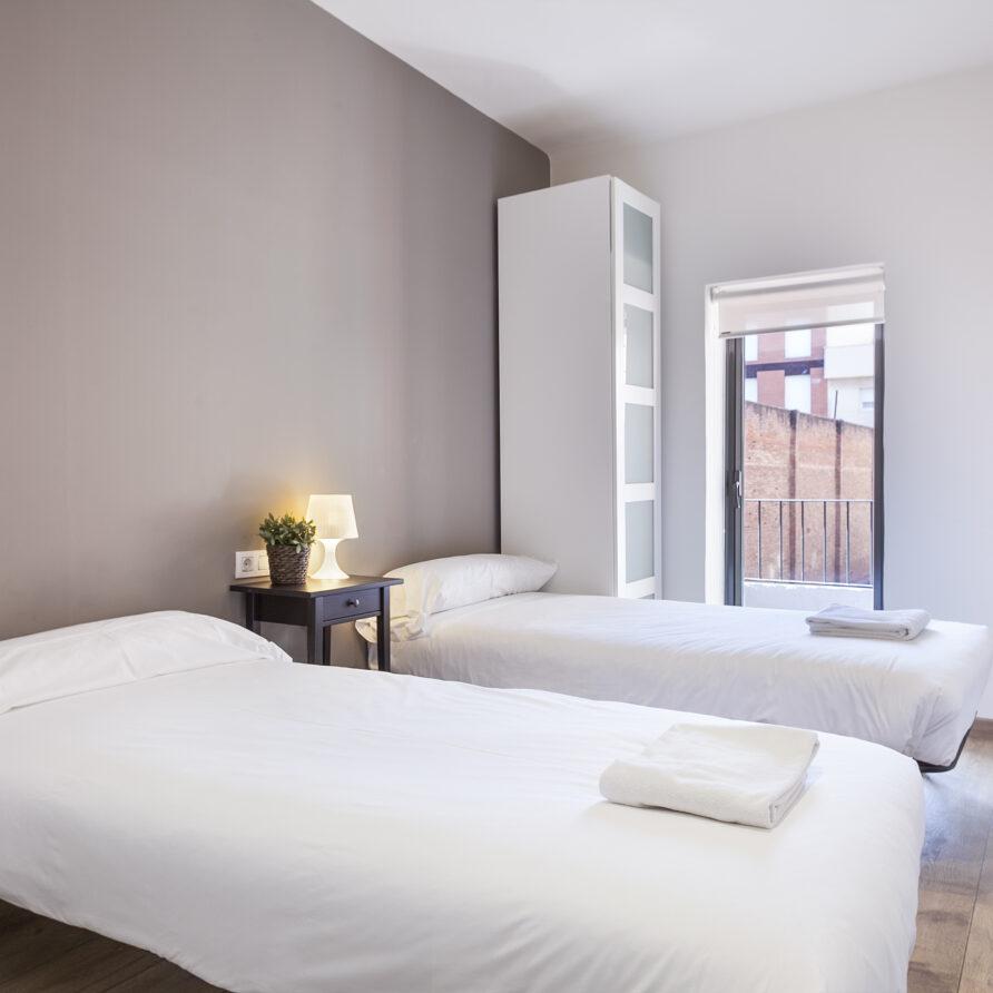 MONJÜIC MODERN – 3 Bed Wi-Fi/ AC/ Nespresso / LIFT
